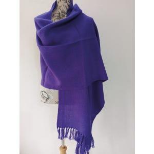 Chal 100% Alpaca color: morado obispo