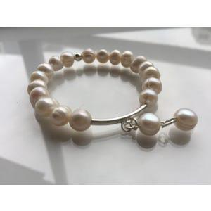 Pulsera de Río Colgante dos Perlas de Plata - Joyas de Moda