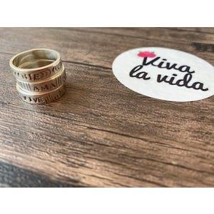 Modelo anillos VIVE RIE AMA